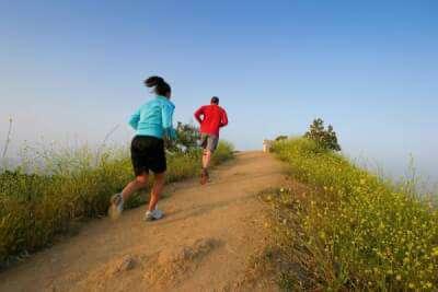 فواید و مزایای دویدن بر روی تپه