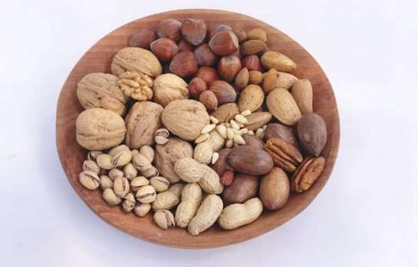 غذاهای مفید و سالم برای سلامتی مو