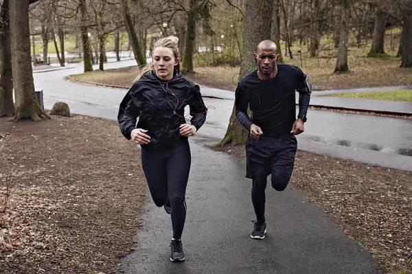 برنامه تمرینی دویدن ۴ هفته ای ۱۰ کیلومتر