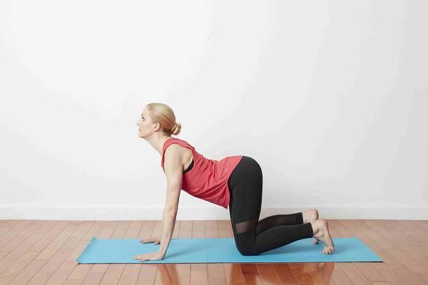 6 حرکت کششی ضروری برای کاهش درد کمر 15