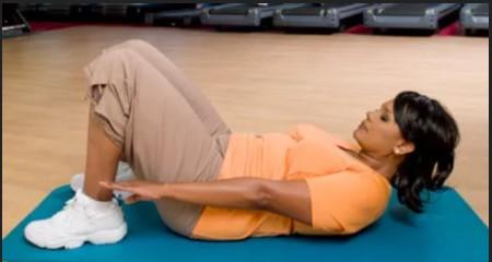 6 حرکت کششی ضروری برای کاهش درد کمر 14