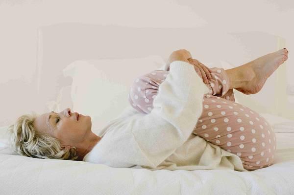 6 حرکت کششی ضروری برای کاهش درد کمر 19